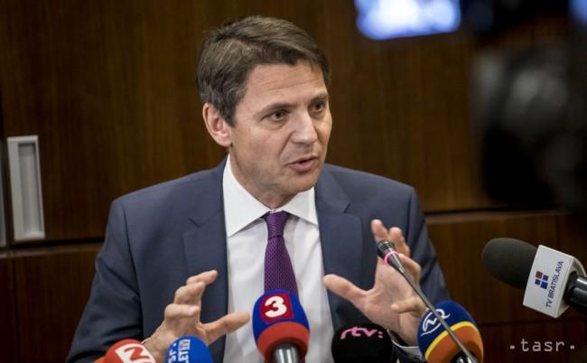 Primátor Bratislavy na zákaze hazardu trvá, zvoláva petičný výbor