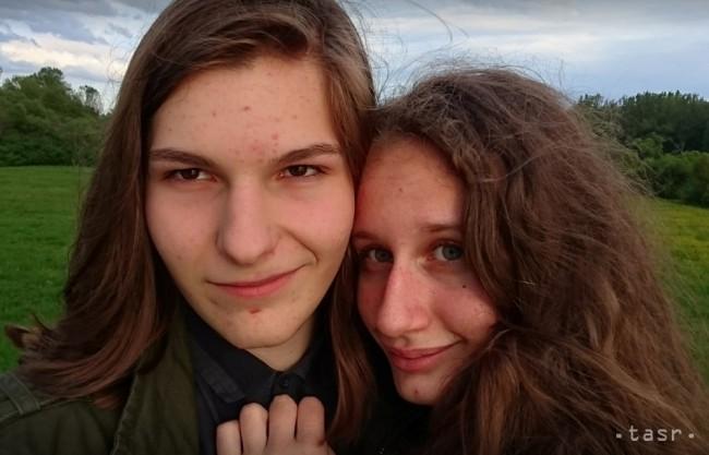 Nezvestné dievča s chlapcom našli pri Hrone v obci Brehy