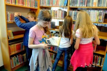 Humenné: Projektom darovanej knihy chcú omladiť školskú knižnicu