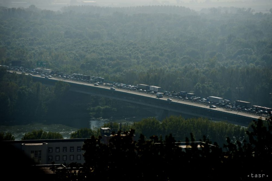 Na Moste Lafranconi sa stala hromadná dopravná nehoda