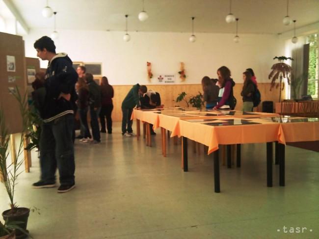 4d1e44c86 Výstava Bánovce na starých pohľadniciach Foto: Miriama Prievalská/TASR