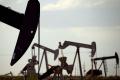 Ceny ropy v pondelok klesli