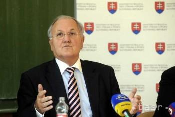 Minister D. Čaplovič odmietol, že by zvažoval svoj odchod z funkcie