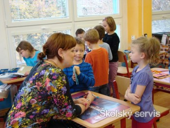 Poslankyňa europarlamentu K. Neveďalová učila nadané deti matematiku