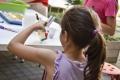 Deti si v prvých dňoch zvyknú priniesť zo školy vši. Čo na ne zaberá?