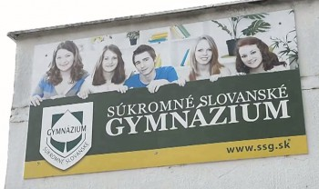 V portfóliu Súkromného slovanského gymnázia bolo osem cudzích jazykov