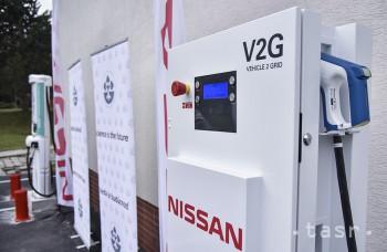 V areáli SAV sprístupnili moderné nabíjacie stanice pre elektromobily