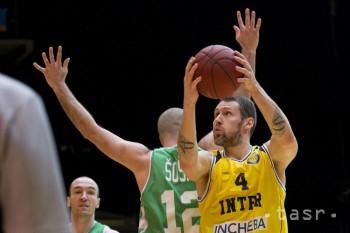 Mátych a Minárik ďalšími posilami basketbalovej Handlovej