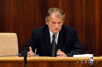 Vysoká škola v Sládkovičove odvolala M. Mamojku z postu rektora