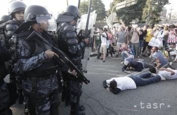 Highlighty týždňa: Polícia vs. Rómovia, pápežov zázrak, obvinený Chára