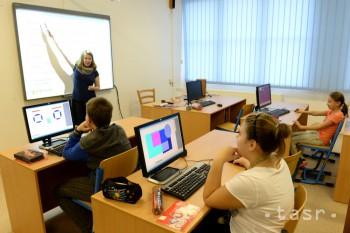 Školy si vedia poskytovateľa internetu vybrať aj samy