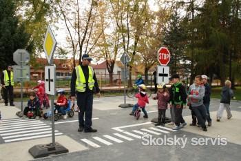 Prievidzskí škôlkari dostali nové dopravné ihrisko
