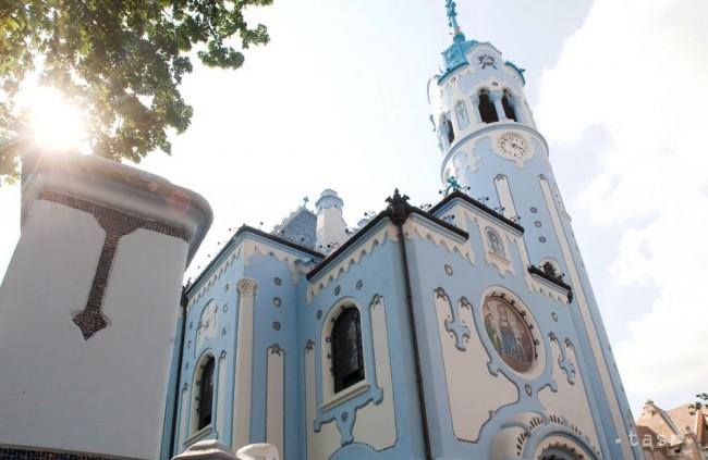 Bratislavský Kostol svätej Alžbety je známy ako Modrý kostolík