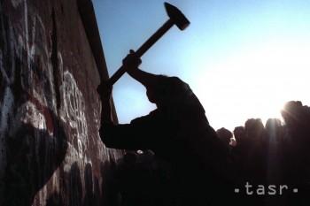 Sloboda v Európe sa začala šíriť pádom Berlínskeho múru 9. 11. 1989
