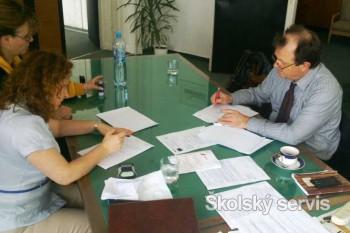 Zmluvu na elektronické testovanie žiakov podpísalo už vyše 1300 škôl