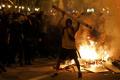 PROTESTY NEUTÍCHAJÚ: Barcelona má za sebou štvrtú noc násilností