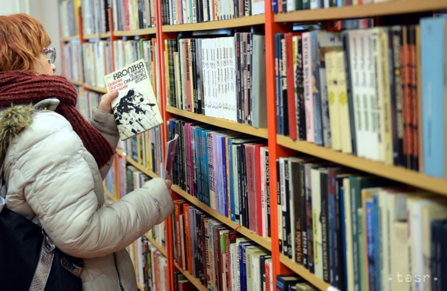 Autorka Džínsových denníkov Zuzka Šulajová vydáva knihu pre dospelých