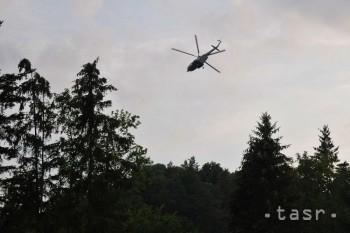 Chlapec spadol počas lyžiarskeho výcviku, pomáhali leteckí záchranári