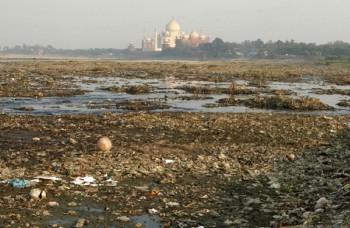 Tádž Mahal, symbol lásky muža a ženy, patrí medzi sedem divov sveta