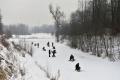 VIDEO: Zimný lov rýb na dierkach prilákal aj majstra sveta