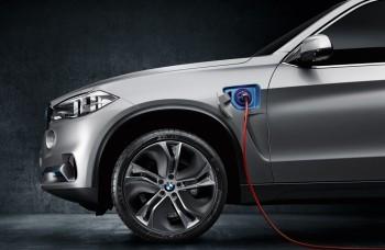 Veľké BMW X5 bude aj na baterky